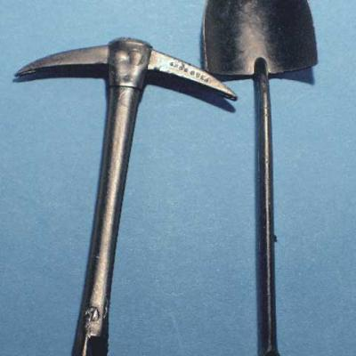 Shovel & Pickaxe